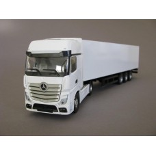 PYO - Mercedes Actros MP4 Gigaspace (4x2) & box van trailer