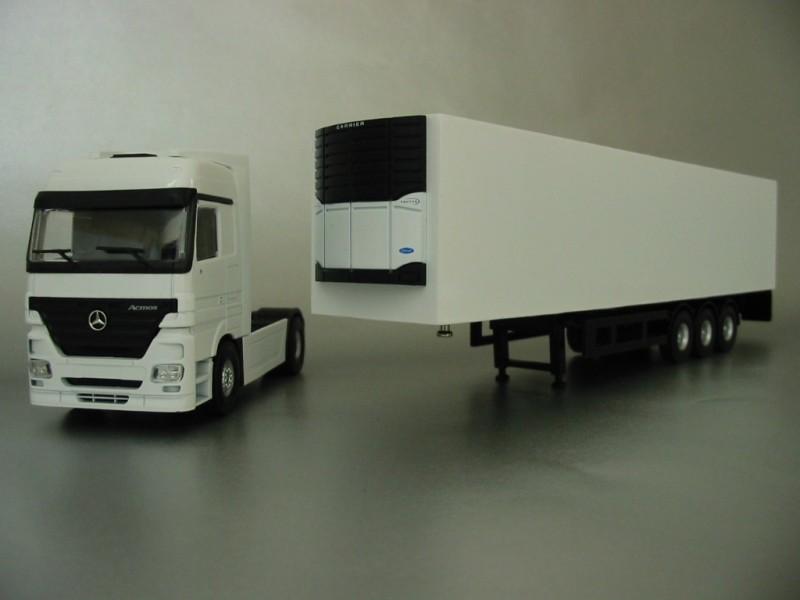 PYO RANGE - plain white Mercedes Actros Megaspace (4x2) & box van trailer